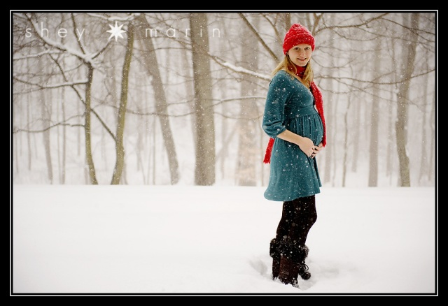 snow holidays Maternity portraits